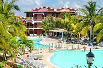 blau-colonial-pool1