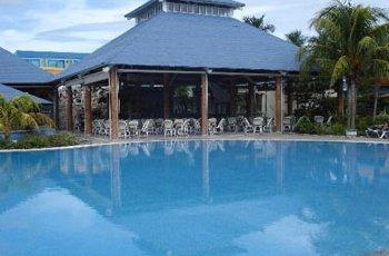 blau-costa-verde-pool