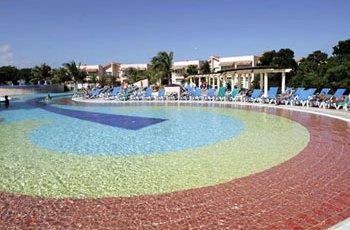 krystal-laguna-villas-pool