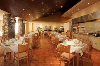 krystal-laguna-villas-restaurant