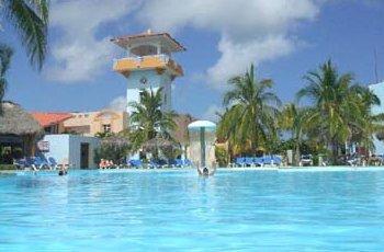 Sol Pelicano Pool